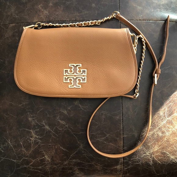 85f69f5db478 Tory Burch Pebbled Leather Clutch with Strap. M 5a429b19a825a6ae2f05d95c